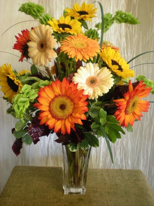 Ngày lễ tết thường có thêm nhiều loại hoa lạ